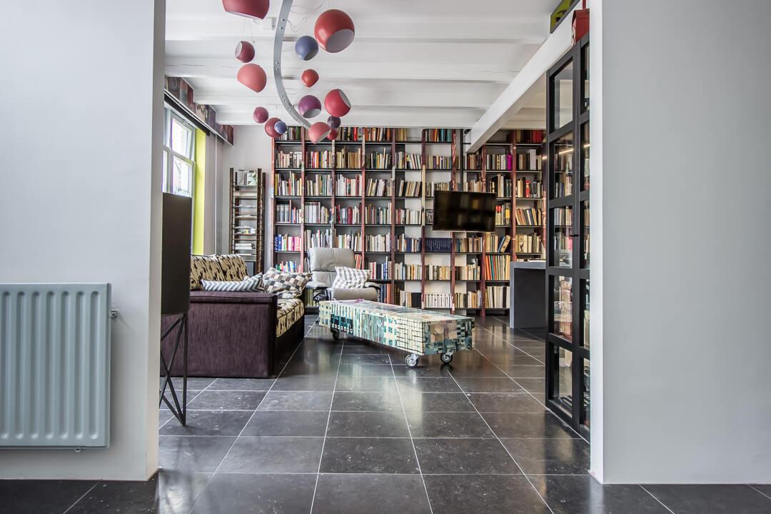 Belgisch Hardsteen Blauw Gezoet Bibliotheek