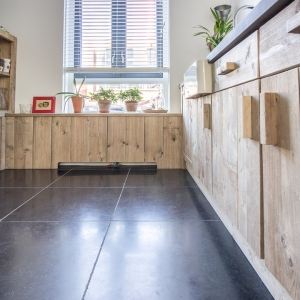 Harappa Stone Black Anticato houten keuken
