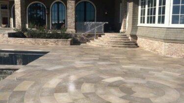 Franse Kalksteen Terrastegels Bontemps grey cappucino geborsteld