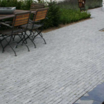 Spotted Bluestone Soft Finish in Waalformaat