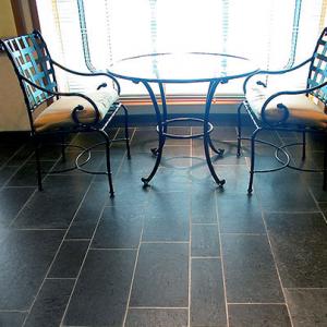 Noorse Leisteen Zwart Geborsteld tafel