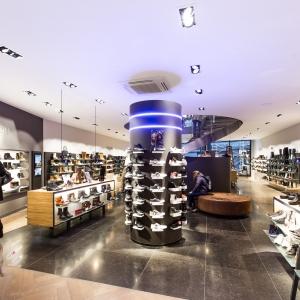 Belgisch Hardsteen Donker Blauw Gezoete tegelvloer in winkel