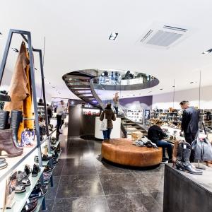 Belgisch Hardsteen Donker Blauw Gezoet 80x80 in winkel