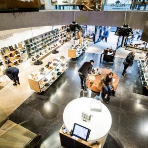 Belgisch Hardsteen Donker Gezoet in schoenenwinkel