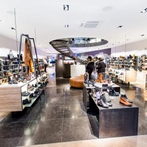 Belgisch Hardsteen Donker Blauw Gezoete tegels in moderne schoenenwinkel