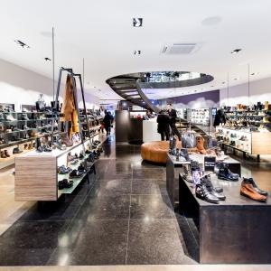 Belgisch Hardsteen Donker Blauw Gezoet 80x80 cm in schoenenwinkel