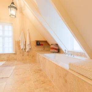 Apulia Ivory Beige 60x60 badkamer
