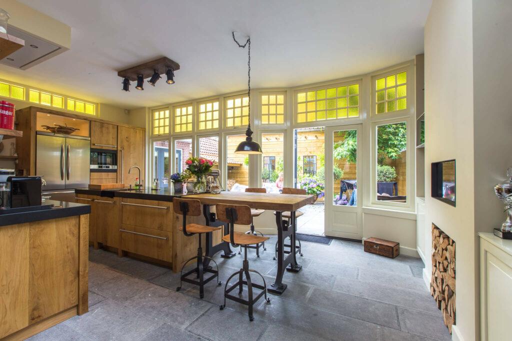 Belgisch Hardsteen Old Country Style in landelijke keuken.