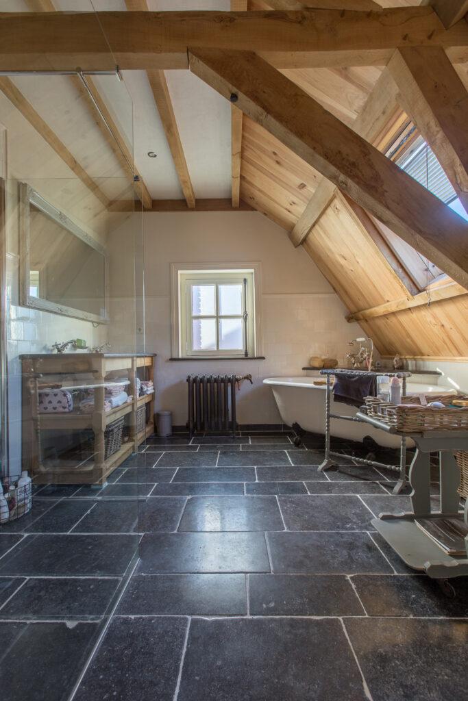 Ambachtelijke Friese Witjes Lichte Mix Met Belgisch Hardsteen vloer