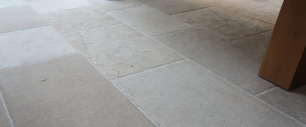 Pietra Etrusca Beige Anticato