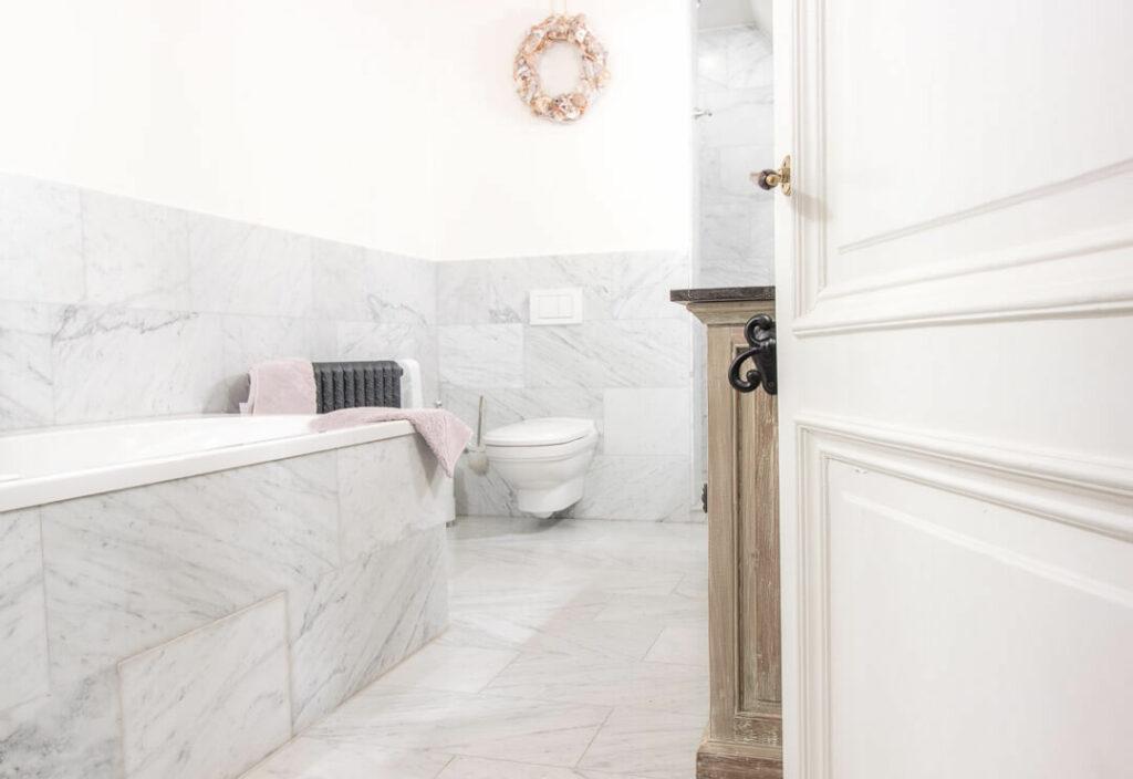 Marmeren Badkamer Vloer : Marmeren vloer kopen bekijk hier alle marmeren vloertegels