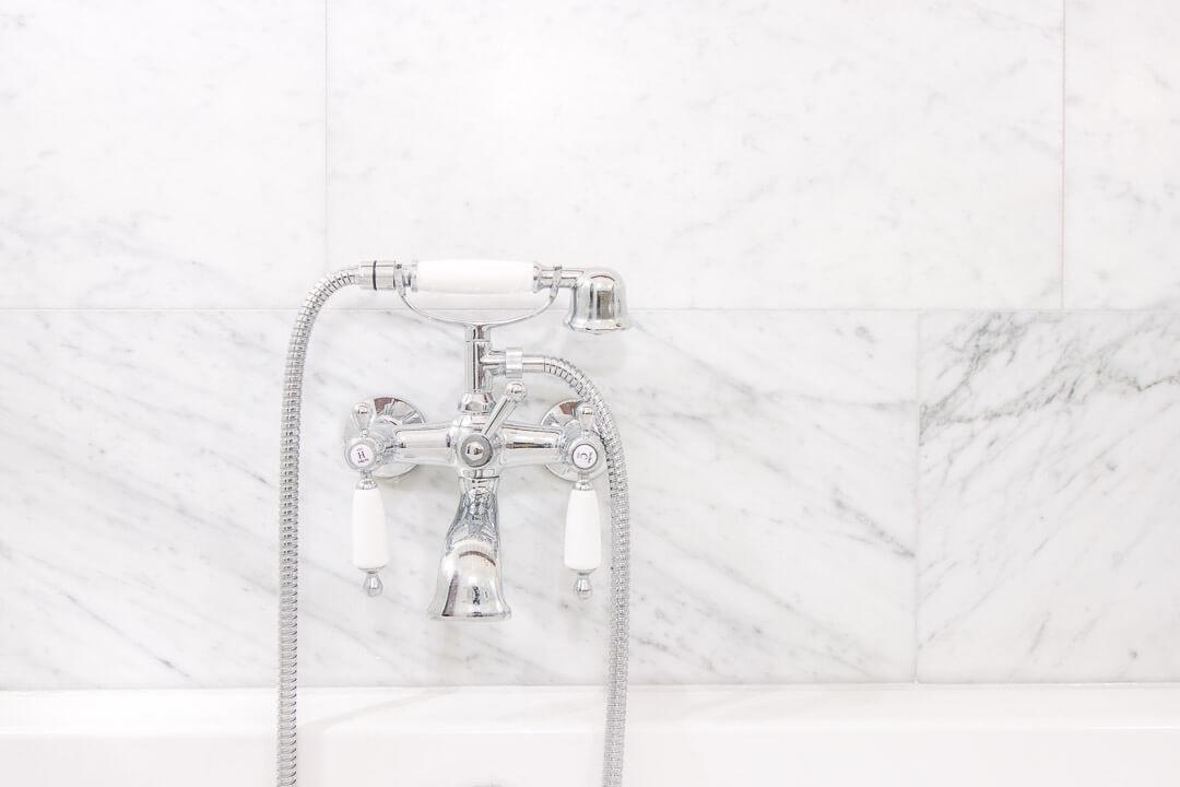 Bianco Carrara Gezoet badkamer