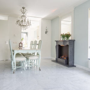Bianco Carrara Type C Gezoet. Witte marmer.