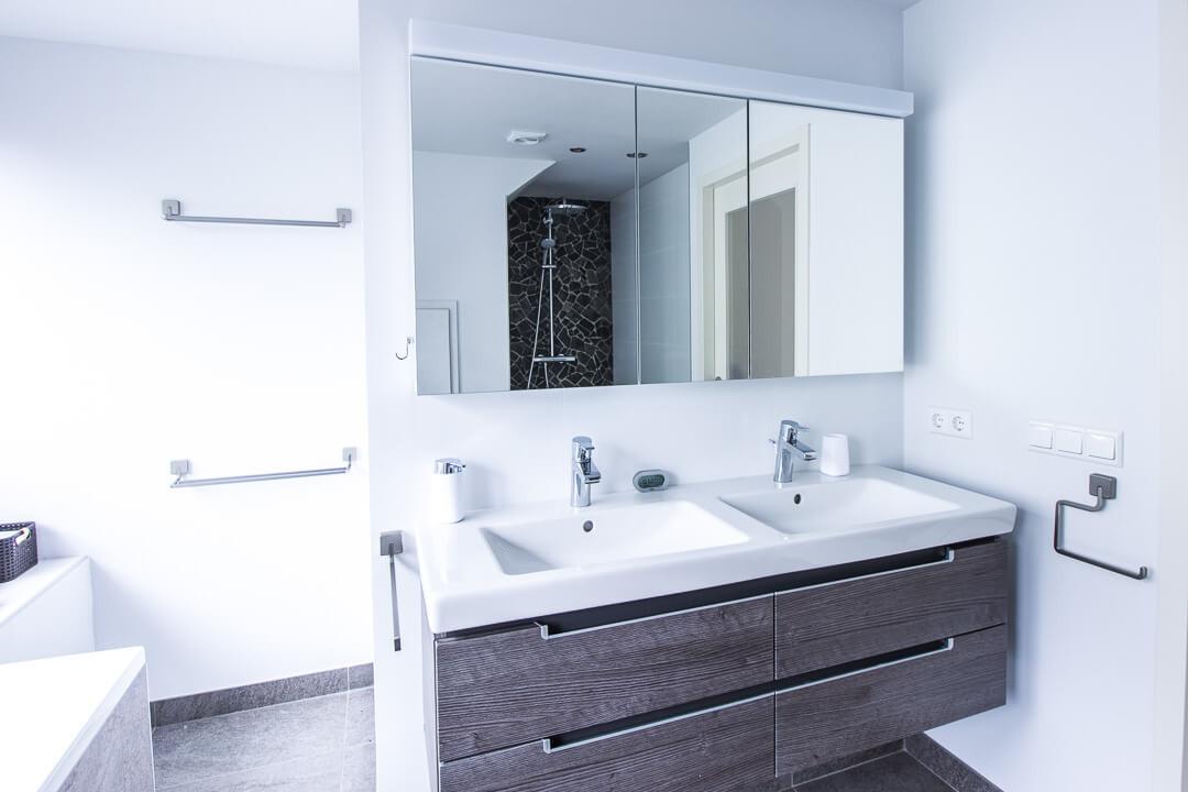 Badkamer keramische tegels Van den Heuvel & van Duuren