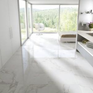Bianco Carrara Keramiek in woonkamer