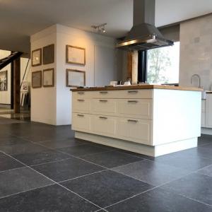 Belgisch hardsteen Look Getrommeld in keuken