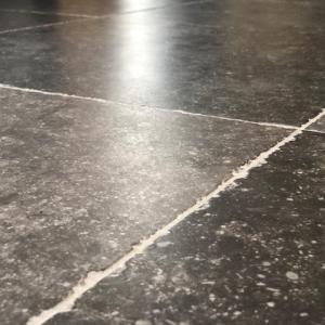 Belgisch hardsteen Look Getrommeld close up van getrommelde rand
