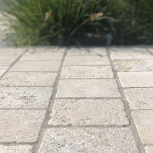 Bontemps Ochers and Grey Cobblestone, 15x15x5 cm close up
