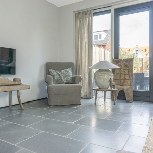 Cottage Stone Grey in woonkamer
