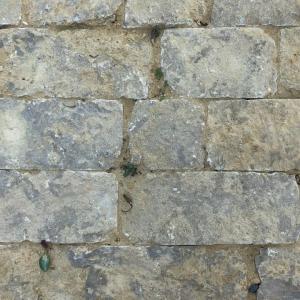 Bontemps Split Cobblestones gevoegd met geel zand.
