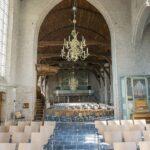Kloosterdallen Antiek Verouderd in oude kerk