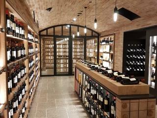 Bourgondische Dallen -Stormy Sky Authentic Finish in luxe wijnkelder
