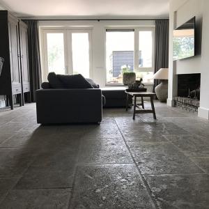Bourgondische Dallen Pietra Vieux de Bourgogne. Landelijke natuursteen vloer.