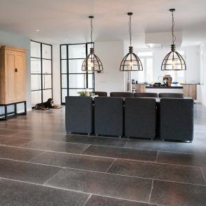 Belgisch Hardsteen Manueel Verouderd Lichte Schuring open keuken