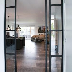 Belgisch Hardsteen Manueel Verouderd Lichte Schuring stalen deur
