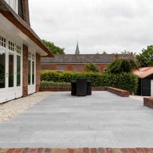 Belgisch Hardsteen manueel verouderd licht geschuurd