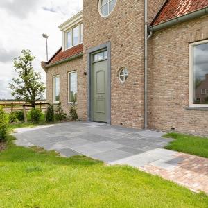 Belgisch Hardsteen manueel verouderd / Kandlah grey