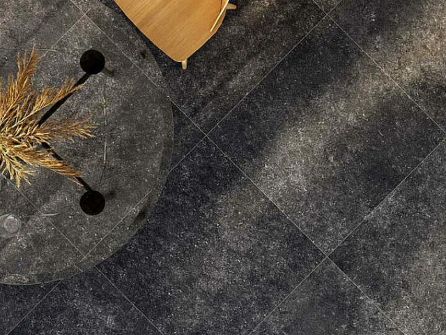 belgisch-hardsteen-look_getrommeld-donker_80x80cm-Dikte-2cm-4