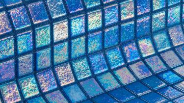 glasmozaiek-ezarri-iris-collection-geolied-olie-ocean-productfoto-inspiratie