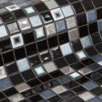 donkere geprinte glasmozaiek in het zwart met zilveren steentjes