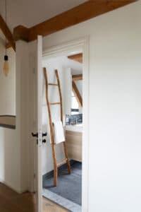 belgisch-hardsteen-raamzaag-gezaagd-natuursteen-tegelvloer-vloertegels-badkamer