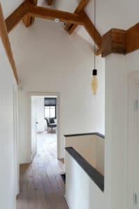 trapppenhuis-afdekrand-belgisch-hardsteen-raamzaag-gezaagd-zolder-maatwerk-natuursteen