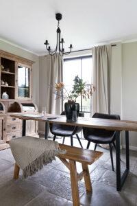 eettafel-eethoek-op-Chateau-Carreau-Bourgondische-dallen-calais-tegelvloer-vloertegels